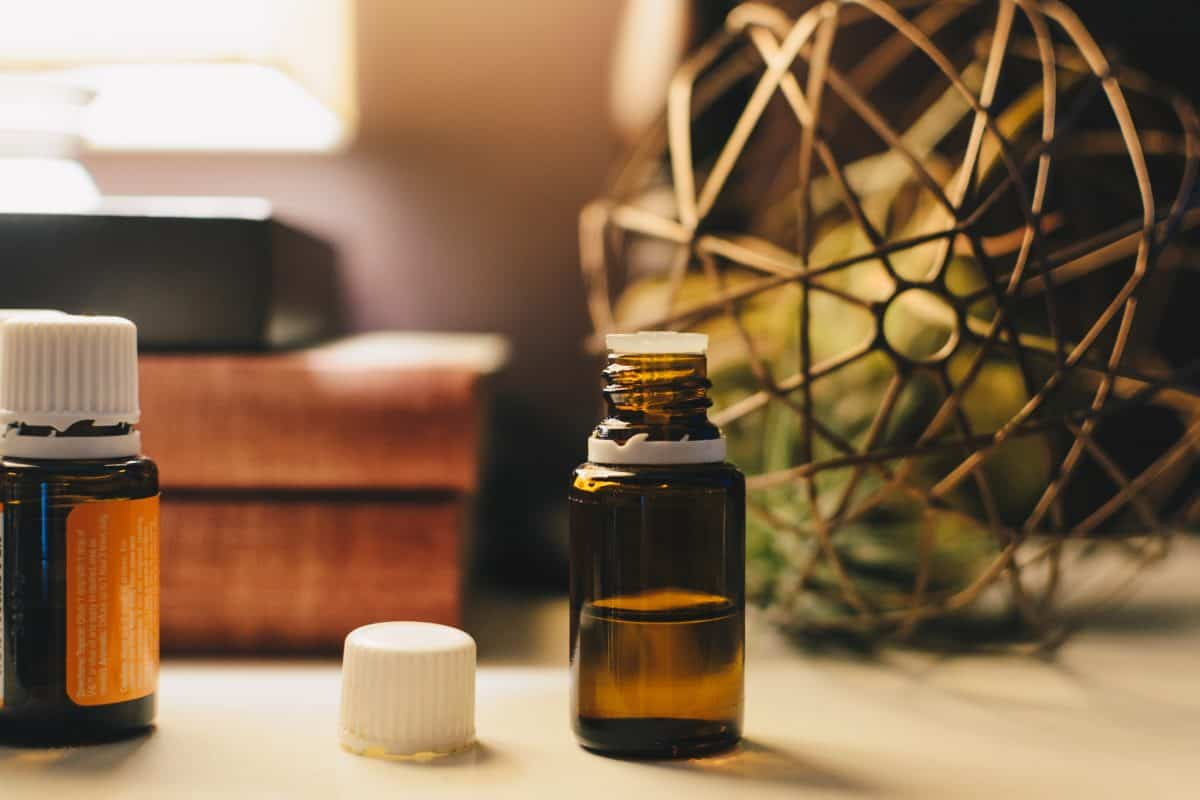 Aromatherapy Health Benefits and Risks