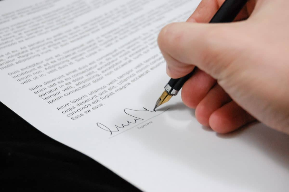 How Can Electronic Signature Improve Your Business?