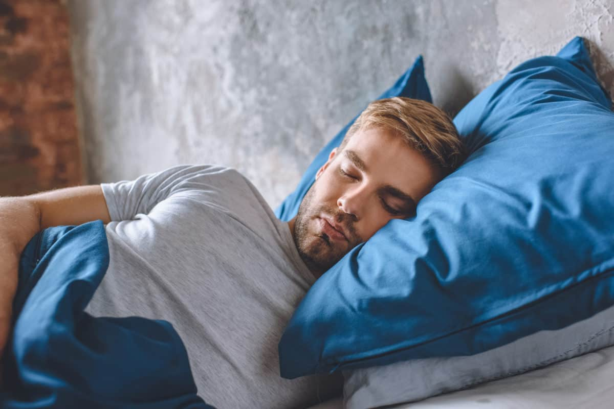 How to Sleep Well Despite Feeling Bothered by Social Media Updates