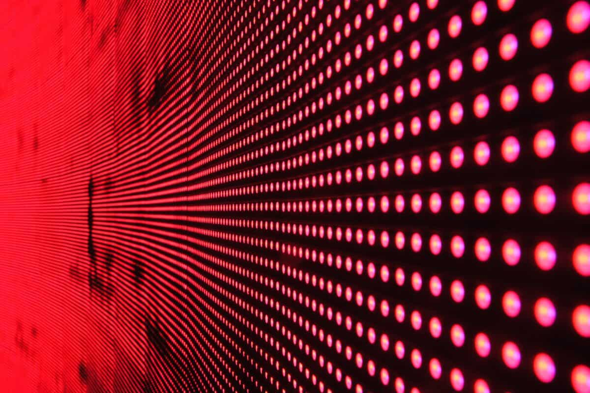 7 Health Benefits of Red Light Therapy
