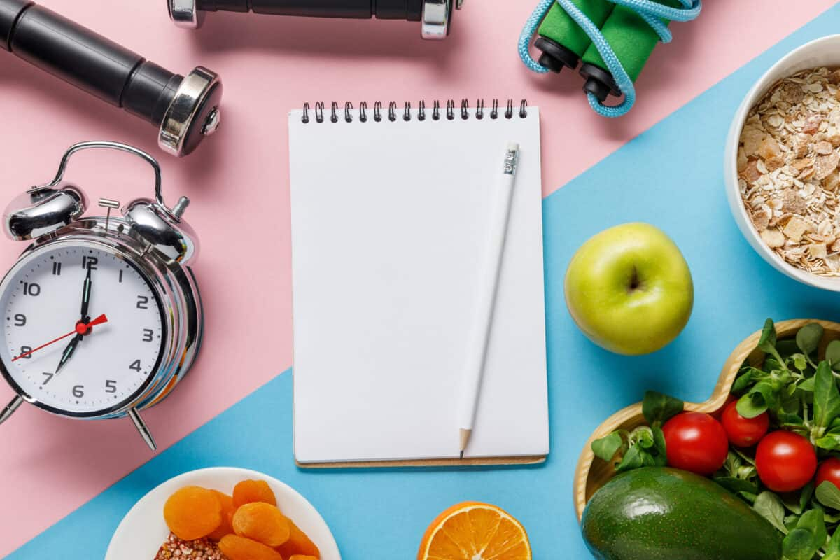 Here's Why You Should Be Tracking More Than Just Your Calorie Count For Weight Loss