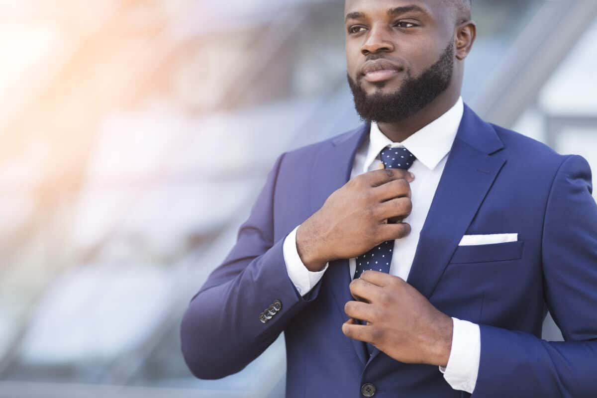 7 Reasons It Is Important To Make Sure Your Work Attire Fits Correctly