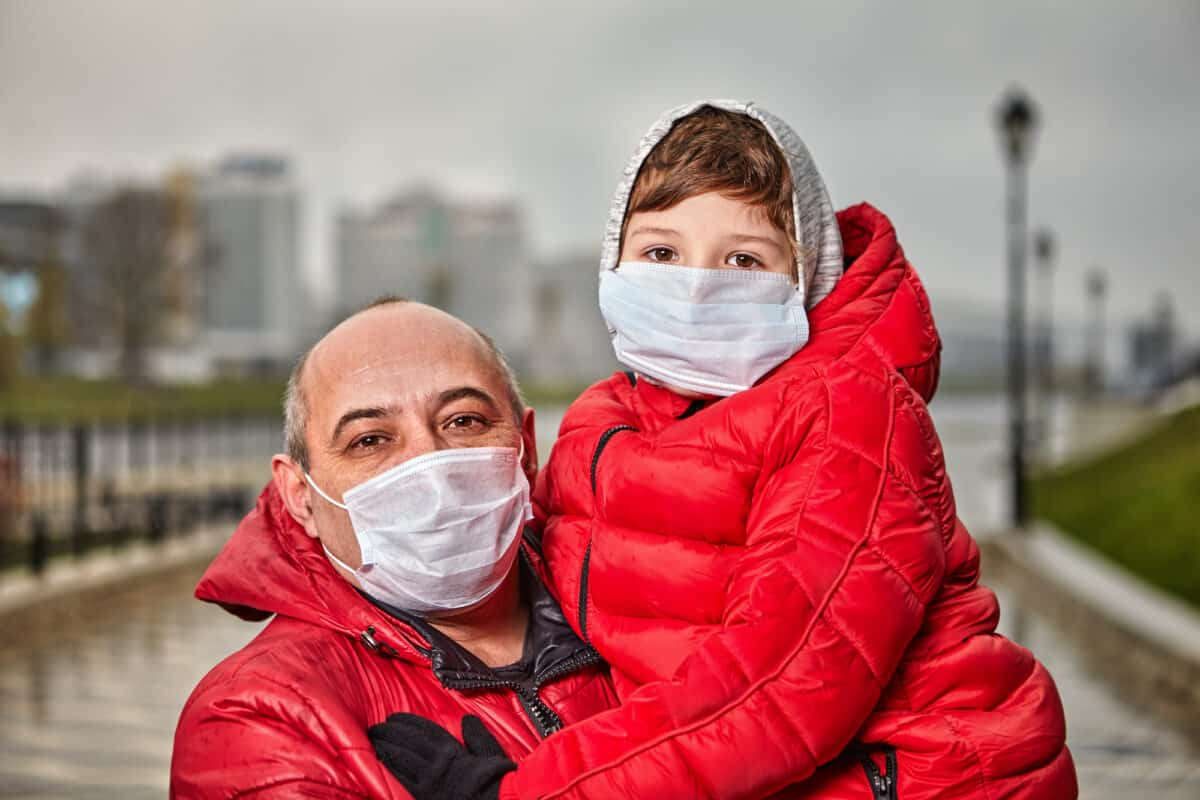 Why Choose A Disposable Face Mask for Medical Care Facilities?