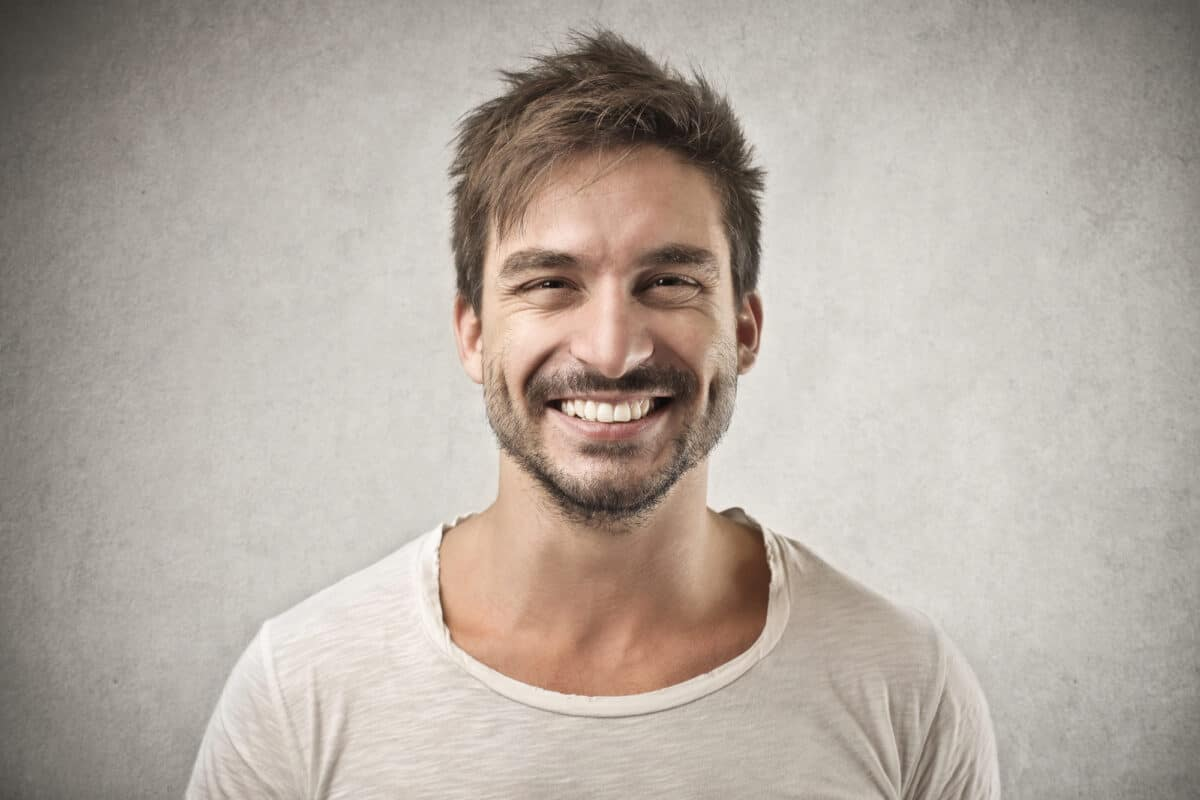 How To Get A Celebrity Smile From Your Dentist Using Veneers?